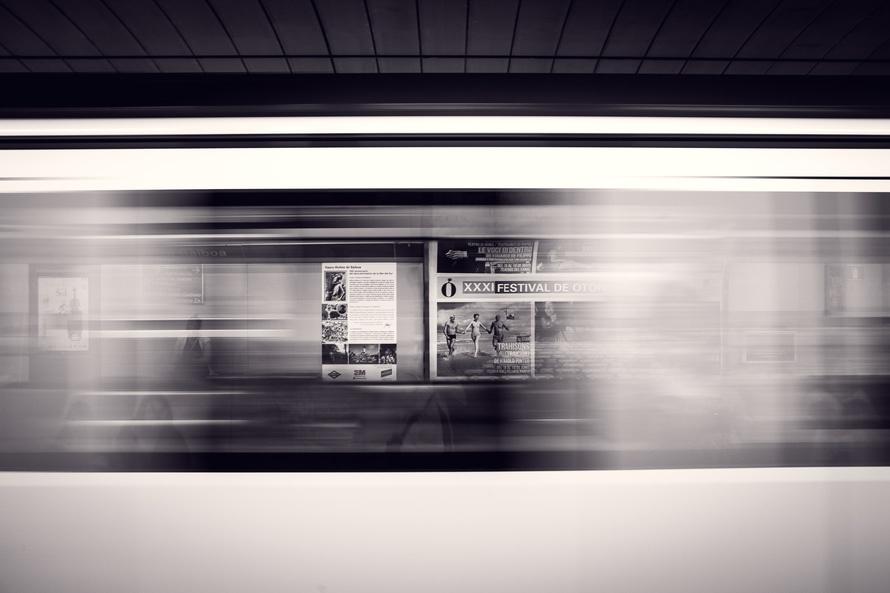 Jakie są przykłady angażującej reklamy ambientowej?
